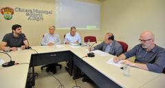 Reunião avaliou uso dos 45 contêineres para coleta seletiva, em teste há mais de dez dias na área central
