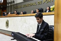 Sessão Solene de outorga de diploma de Cidadão de Porto Alegre ao pastor Adealberto dos Santos Dutra.
