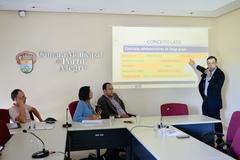 Reunião da CEDECONDH sobre parcerias público privadas e seus impactos na cidade de Porto Alegre. Na foto, o secretário Bruno Vanuzzi.