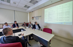 Reunião sobre o custo da saúde em Porto Alegre.