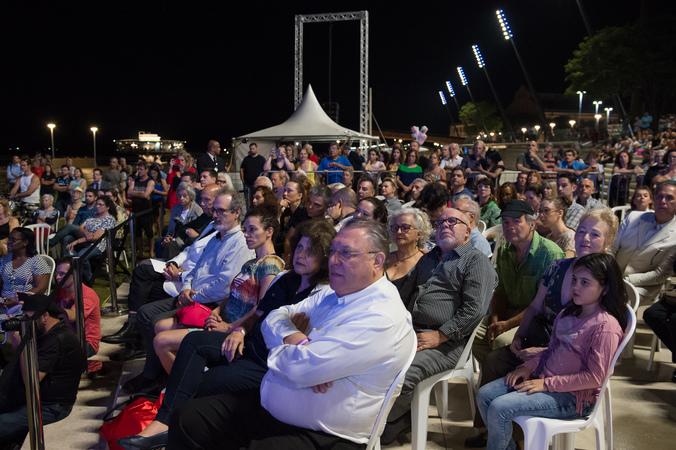 """Primeira noite de apresentação do espetáculo """"Revolução Farroupilha, uma História de Sangue e Metal"""", na Orla Moacyr Scliar."""