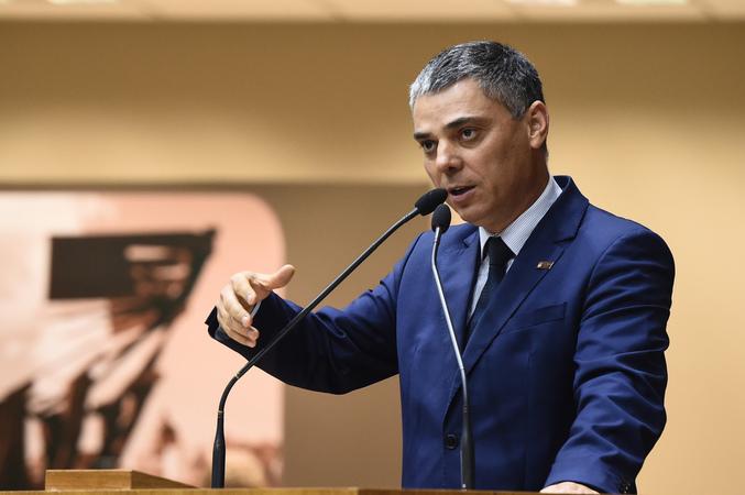 Vereador Cassio Trogildo na tribuna