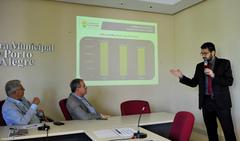 Reunião para debater os custos da educação em Porto Alegre. Na foto, o vereador João Carlos Nedel, o vereador Idenir Cecchim e o Secretário da Smed Adriano Naves de Brito.