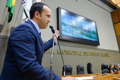 Movimentações de plenário. Na foto, o vereador Moisés Barboza.