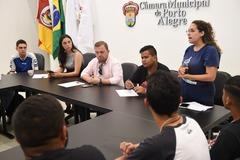 Estudantes se mobilizam contra projeto que restringe meio passe (Foto: Tonico Alvares/CMPA)