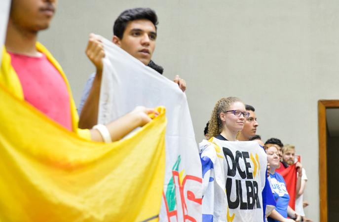 Movimentações de plenário. Na foto, manifestações nas galerias.