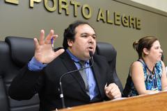Movimentações de plenário.  Na foto, o vereador Dr. Thiago.