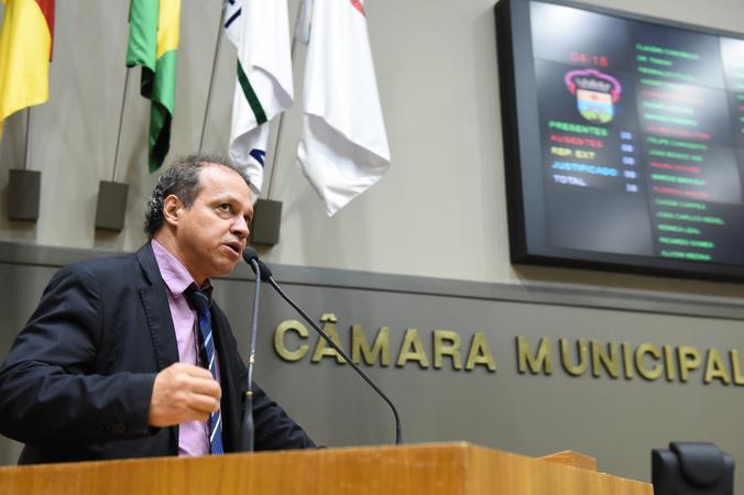 Movimentações de plenário.  Na foto, o vereador Paulinho Motorista.