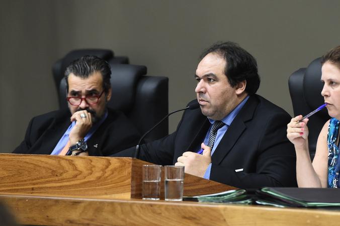 Reunião Conjunta das Comissões Permanentes. Na foto, vereador Dr. Thiago na presidência