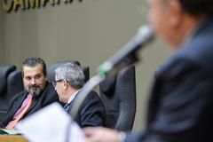 Movimentações de plenário. Na foto, o vereador Claudio Janta.