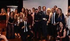 Vereadores Nagelstein e Mendes Ribeiro com os demais premiados e homenageados pelos jovens empresários