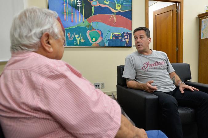 Reunião do presidente Valter Nagesltein com o desembargador Juca Giorrgis.