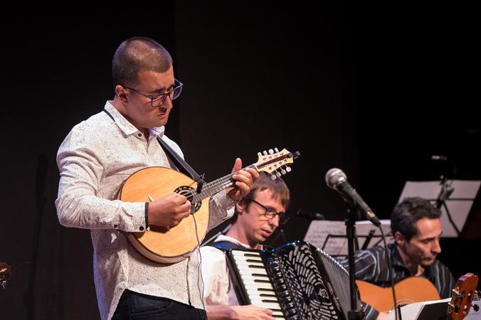 """Apresentação """"Luminoso - Elias Barboza Quinteto"""" na IV Mostra de Artes Cênicas e Música do Teatro Glênio Peres. (Foto: Ederson Nunes/CMPA)"""