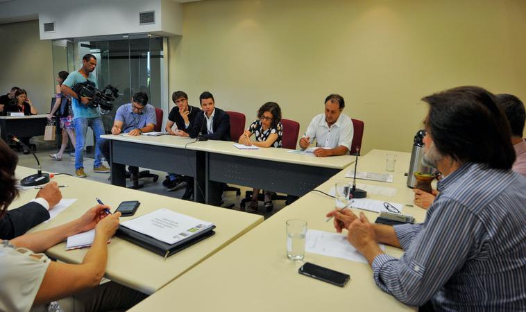Reunião para debater o edital das feiras orgânicas de Porto Alegre.