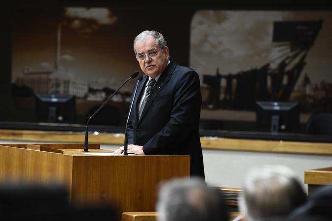 Sessão Solene de outorga de título de Cidadão de Porto Alegre a Itacir Amauri Flores. Na foto, vereador Idenir Cecchim