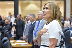 Sessão Especial de posse da Mesa Diretora 2019. Na foto, a vereadora Mônica Leal.