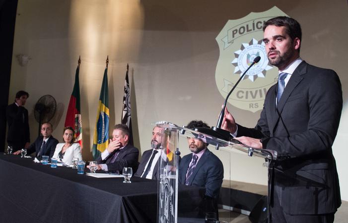 Cerimônia de Posse da Chefe de Polícia do Estado do Rio Grande do Sul, Delegada de Polícia Nadine Tagliari Farias Anflor. Na foto, ao microfone,  o governador Eduardo Leite.