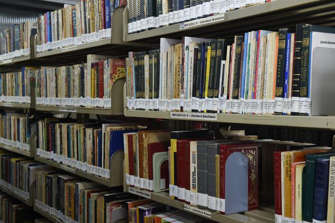 Biblioteca da Camara Municipal de Porto Alegre.