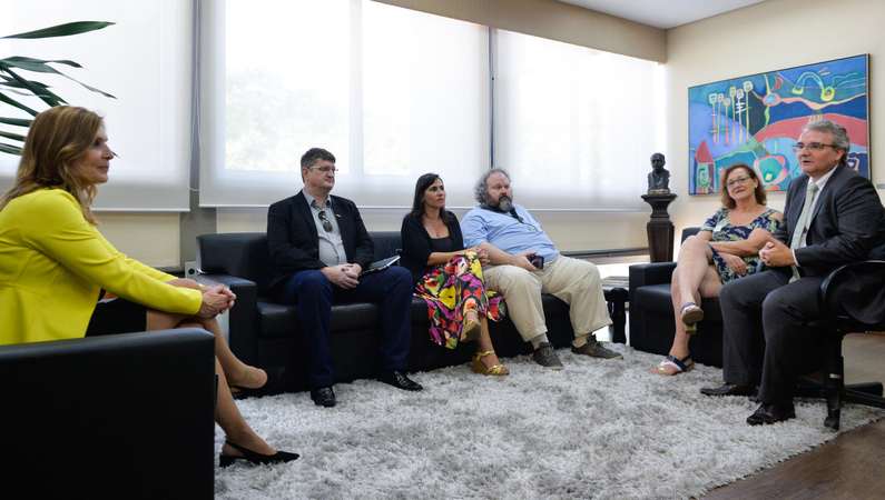 Presidente Mônica Leal recebe o presidente da Associação dos Procuradores do Município e representantes da ACESPA, do Núcleo de Estudos do HPS e da AIAMU.