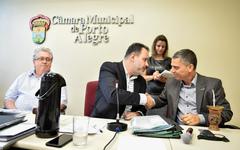 Reunião de abertura dos trabalhos. Na foto, os vereadores: Adeli Sell, Ricardo Gomes e Cassio Trogildo.