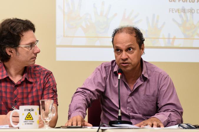 Reunião sobre a situação das escolas municipais de educação infantil. Na foto, vereador Paulinho Motorista