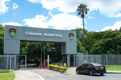 Câmara Municipal de Porto Alegre. Fachada.