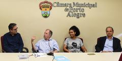 Eleição do vice-presidente da Cuthab. Na foto: da esq: vereadores Roberto Robaina (eleito), Dr. Humberto Goulart, Karen Santos e Paulinho Motorista