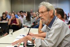 Discussão sobre a Lei Geral dos Táxis. Na foto: dirigente da Aspertáxi, Walter Barcelos