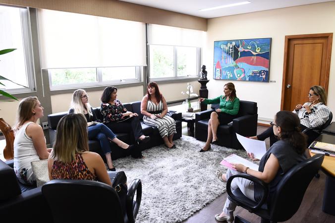 Presidente Mônica Leal recebe vereadoras de Capão da Canoa