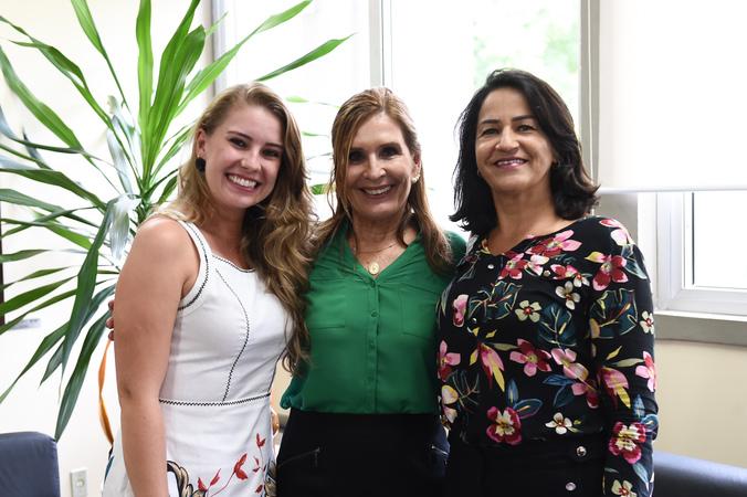 Presidente Mônica Leal recebe vereadoras de Capão da Canoa. Na foto, a presidente com as vereadoras Juliana Martin e Professora Lavina, presidente da Câmara de Capão da Canoa