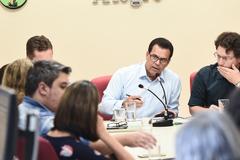 Reunião sobre matrículas  na rede municipal de ensino ecalor nas escolas municipais. Na foto, vereador Alvoni Medina