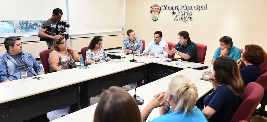 Vereadores debateram problemas na rede de ensino e pediram providências