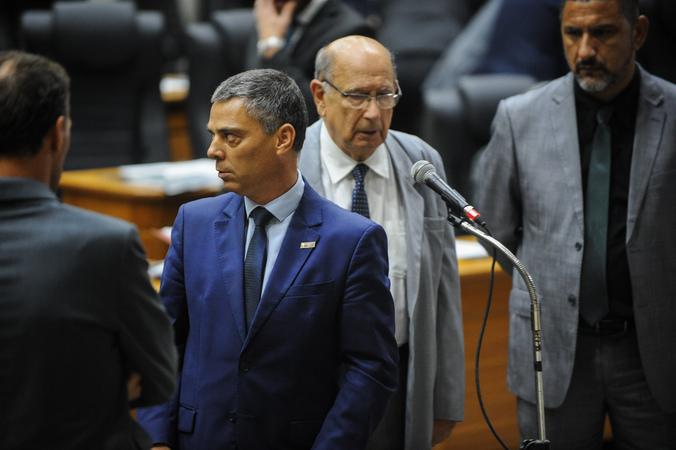 Movimentações no Plenário. Na foto: Os Vereadores Cassio Trogildo, Reginaldo Pujol e Cláudio Conceição.