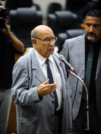Movimentações no Plenário. Na foto: Os Vereadores Reginaldo Pujol e Cláudio Conceição.