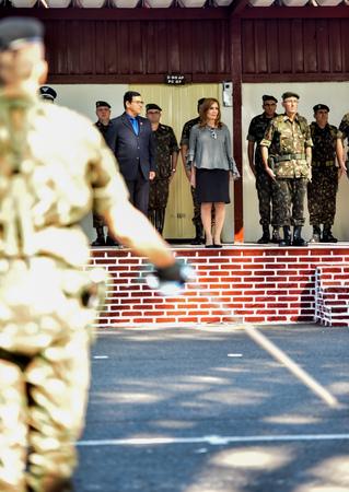 Presidente Mõnica Leal recebe Diploma Amigo da Artilharia do Exército.