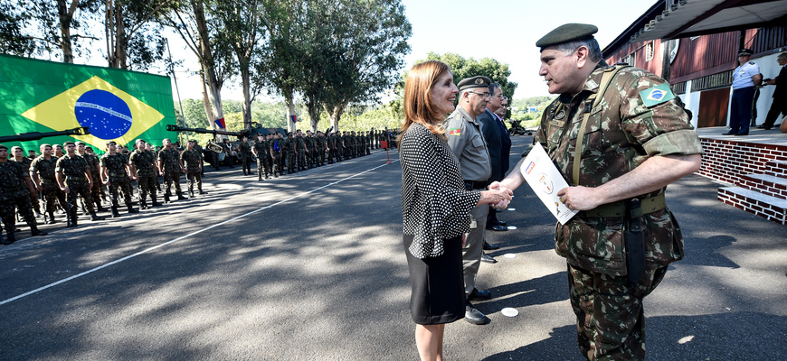 Mônica Leal recebeu distinção do Exército Brasileiro