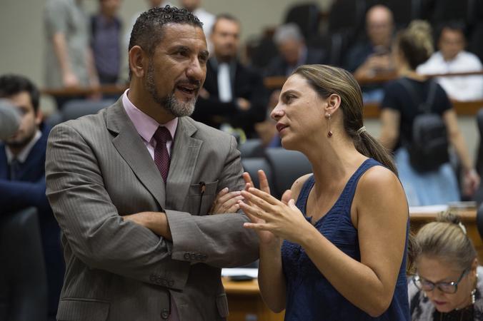 Movimentação de plenario. (Foto: Tonico Alvares/CMPA)