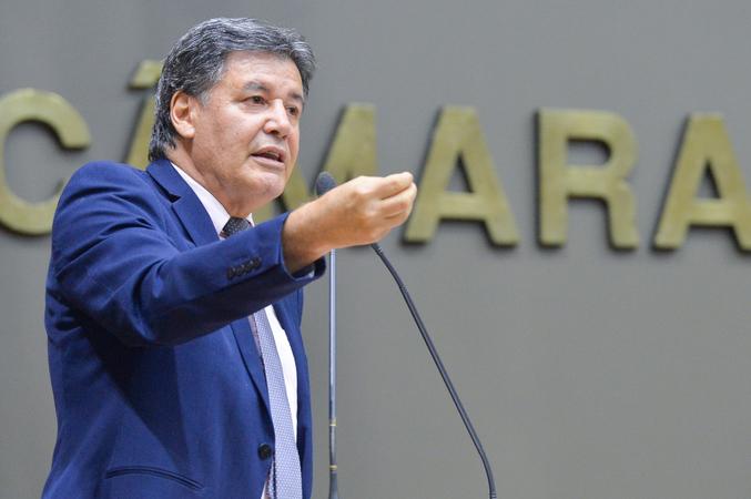 Movimentações de plenário. Na foto, o vereador Cassiá Carpes. (Foto: Giulia Secco/CMPA)