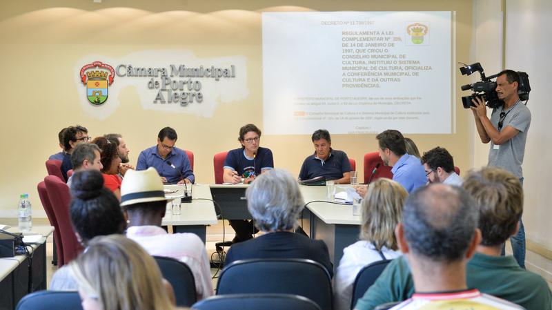 Reunião sobre a constituição do Conselho Municipal e construção da Conferência Municipal de Cultura.