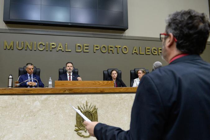Reunião Conjunta (CCJ/CEFOR/CUTHAB) - Movimentações de plenário. (Foto: Leonardo Cardoso/CMPA)