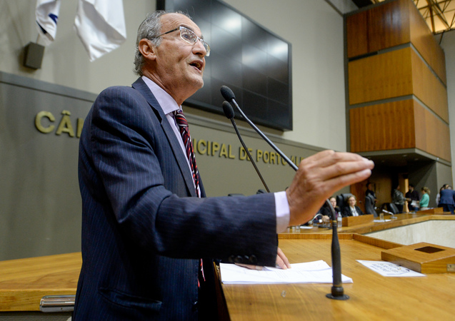 Reunião Conjunta (CCJ/CEFOR/CUTHAB) - Movimentações de plenário. Na foto, o vereador Airto Ferronato. (Foto: Leonardo Cardoso/CMPA)