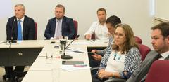 Lourdes Sprenger acompanhou a explanação sobre o PLCE 02/2019 durante o encontro com vereadores e representantes dos municipários.