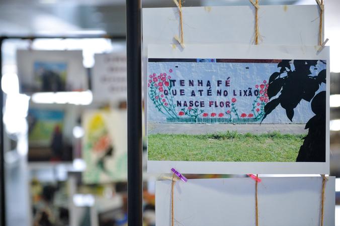 Exposição fotográfica da Fundação de Assistência Social e Cidadania (Fasc), intitulada Serviço de Medidas Socieducativas em Meio Aberto