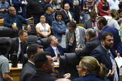 Movimentações de plenário.