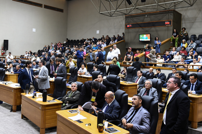 Movimentação de plenário. (Foto: Ederson Nunes/CMPA)