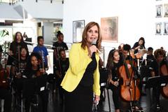Mônica Leal recebeu as crianças e falou da importância da música na vida das pessoas