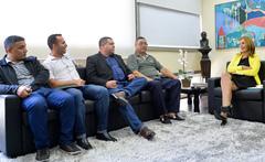 Rodoviários entregaram convite à presidente Mônica Leal