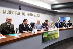 Vereador João Carlos Nedel (c) presidirá a Frente