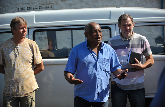 Visita a comunidade de Belém Velho junto de secretárias e lideranças para discutir problemas de saneamento básico na região. Na foto, o lider da comunidade e morador, Milton Borges Bueno.
