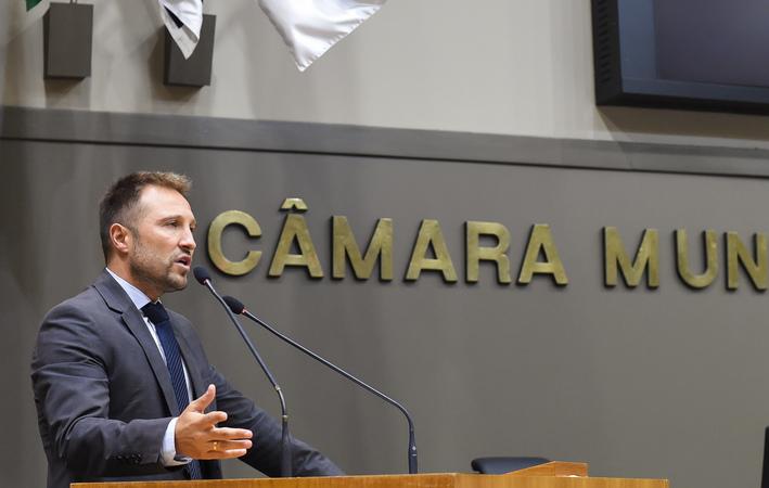 Movimentações de Plenário. na foto: vereador Mendes Ribeiro